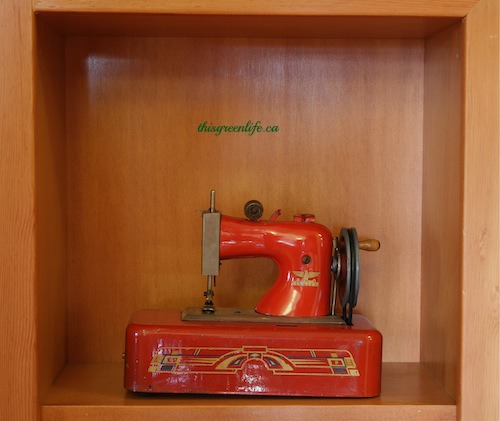 red castige sewing machine