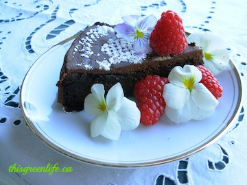 quinoa chocolate maple cake vegan no gluten